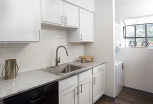 Creekside_trace_kitchen
