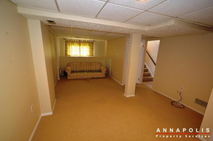552-greenhill-court-id832-family-room-b