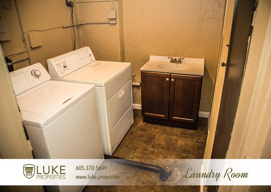 Luke properties 106.5 sioux falls south dakota 57104 house duplex laundry room for rent
