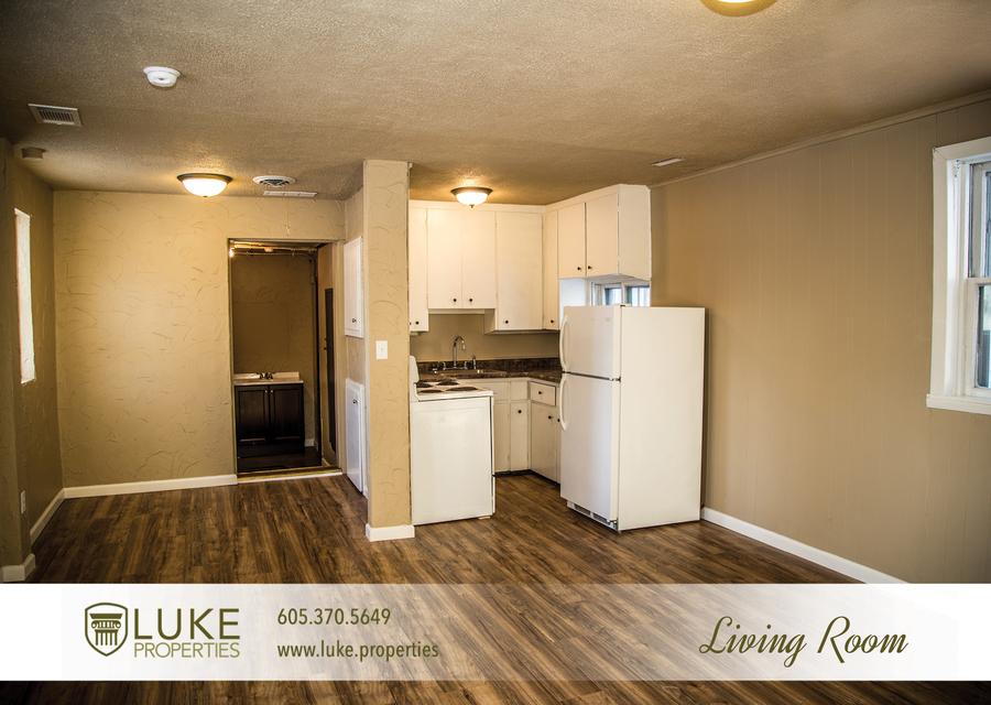 Luke properties 106.5 sioux falls south dakota 57104 living room house duplex for rent