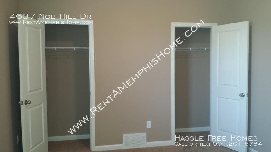 4637 nob hill   2014 09 19   bedroom closets