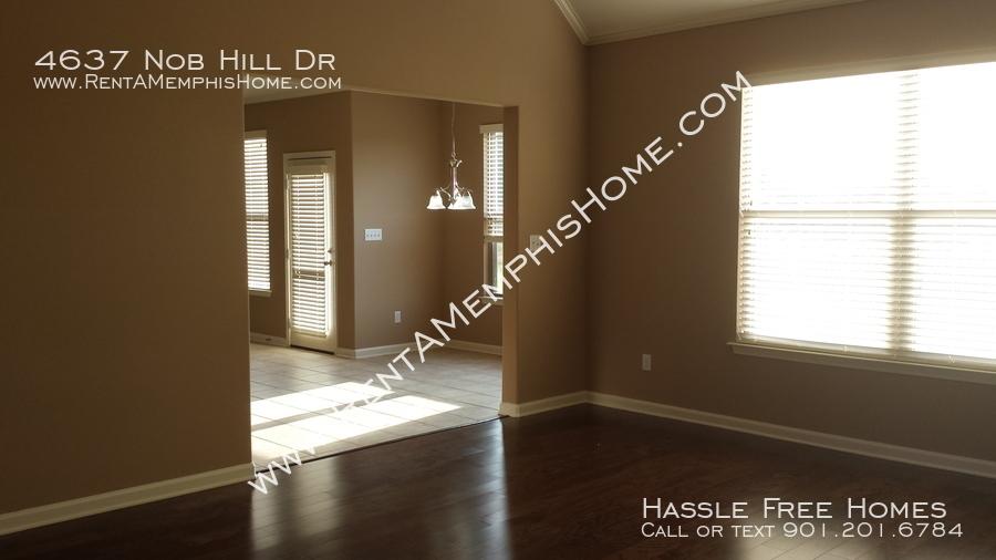 4637 nob hill   2014 09 19   living room