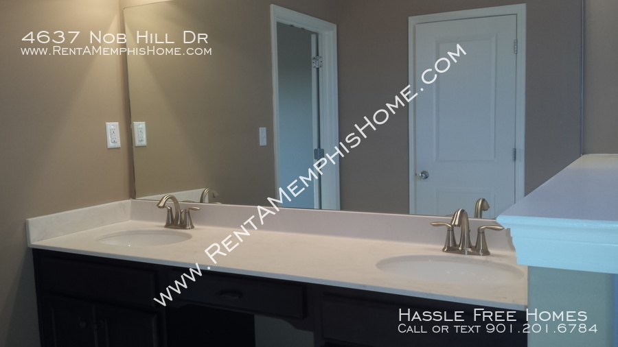 4637 nob hill   2014 09 19   master vanity
