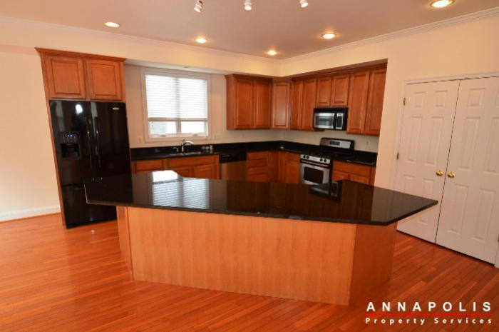 1013-tyler-ave-id839-kitchen-a