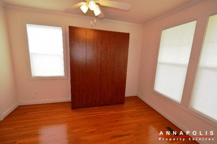 1013-tyler-ave-id839-bedroom-5a