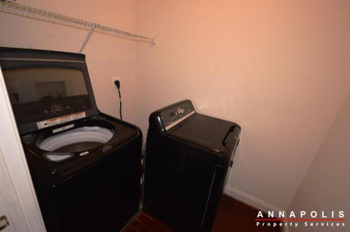 1013-tyler-ave-id839-washer-and-dryer