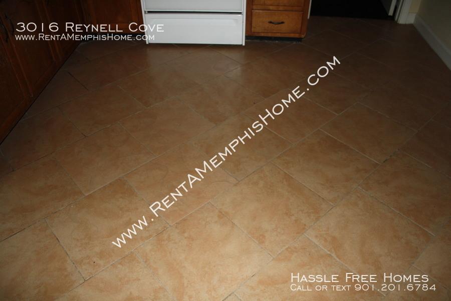 3016 reynell   kitchen floor