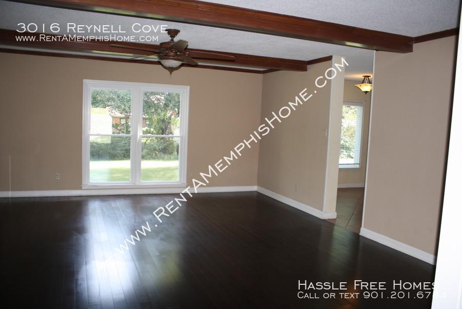 3016 reynell   living room