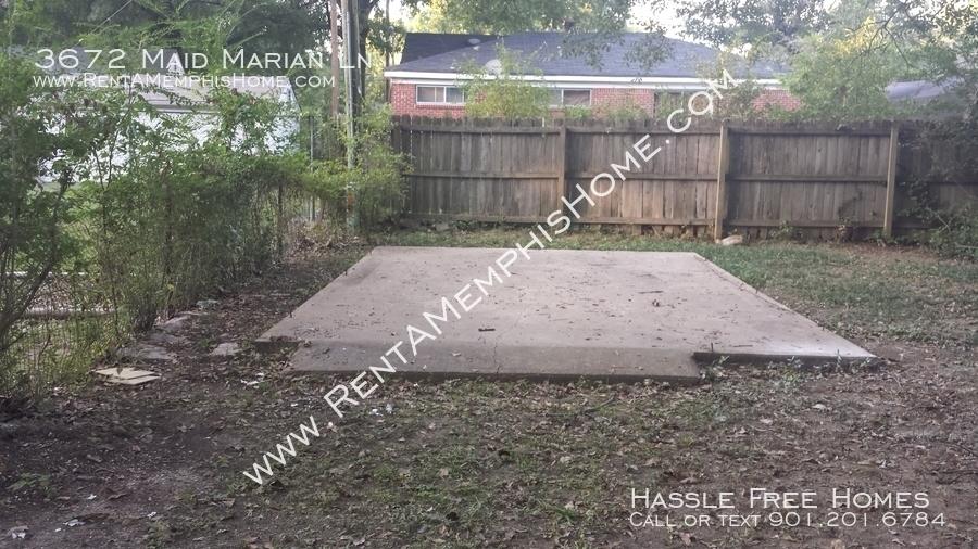 3672 maid marian   backyard pad