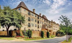 2-apartments-exterior-at-marquis-at-turtle-creek-photo-gallery