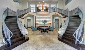 4-main-entrance-at-marquis-at-turtle-creek-photo-gallery