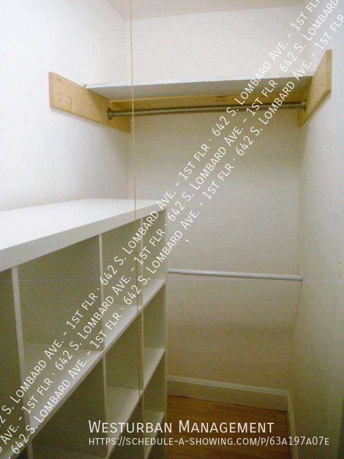 642_closet_2