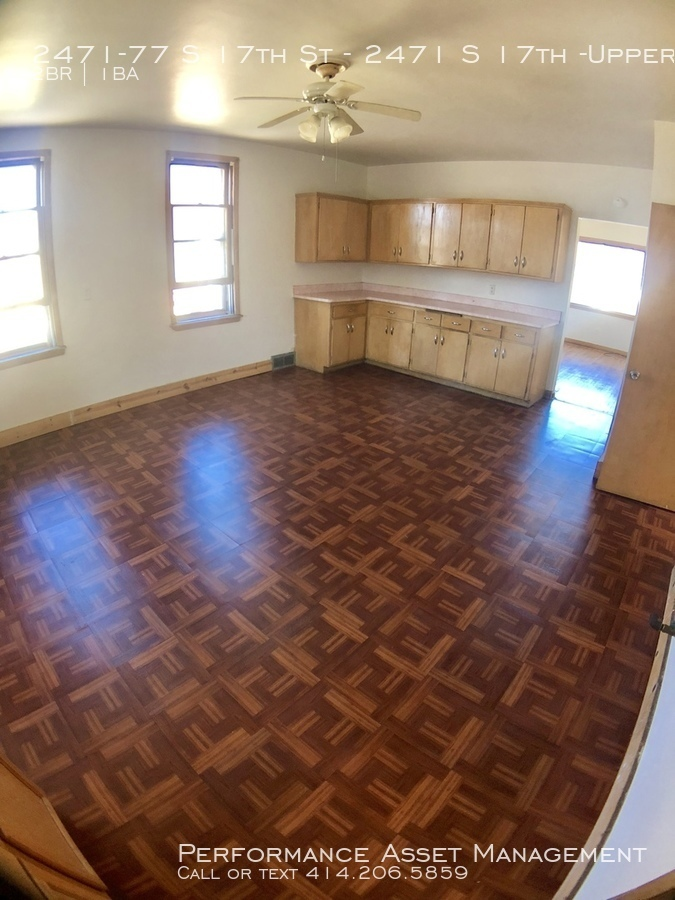 2471-77 S 17th St Beautiful 2 bedroom on South Side of Milwaukee!