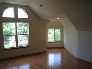 1345_williamson_3_bathroom_living_room