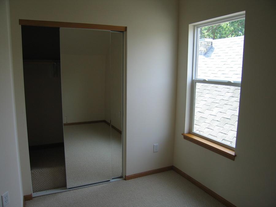 1345_williamson_3_bathroom_bedroom_2