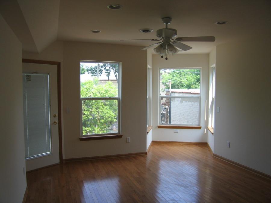 1345_williamson_2_living_room