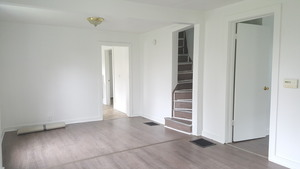 3 Bed 1 Bath - Large Backyard - Recently Renovated! - Grand Rapids apartments for rent - backpage.com