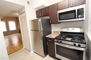 2306 N CLARK 4S - Illinois apartments for rent - backpage.com