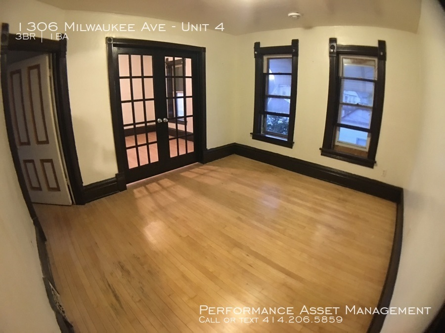 Apartment for Rent in South Milwaukee