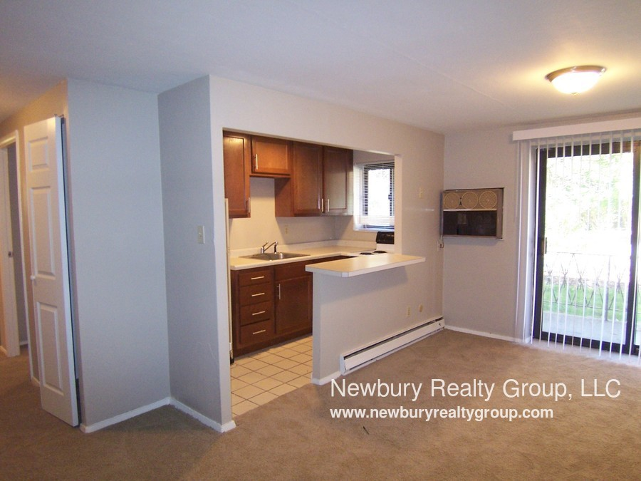 1459 Poplar St ASK ABOUT OUR HOLIDAY SPECIAL if you are Looking for 1st floor with Patio and no steps? look no further