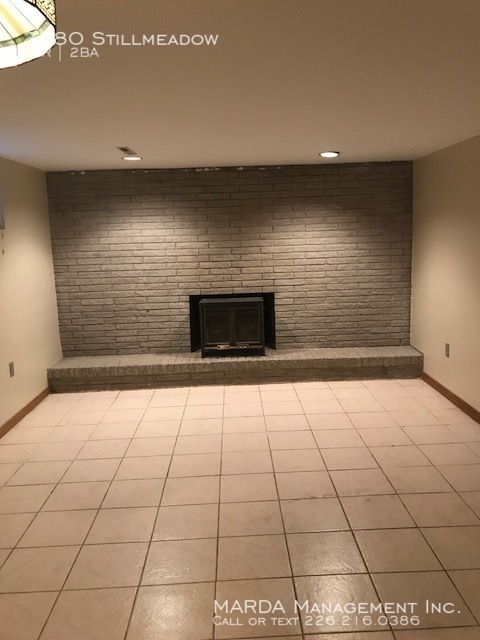4 bedroom House $1,300 Plus water, gas and hydro on Stillmeadow!