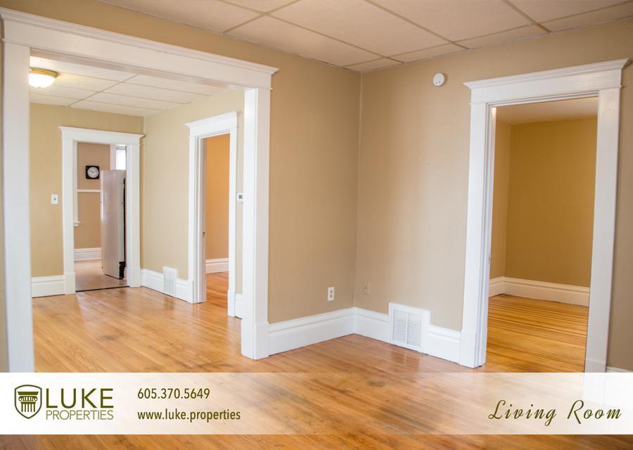 3luke properties 1005 s center ave sioux falls sd 57105 living room 03