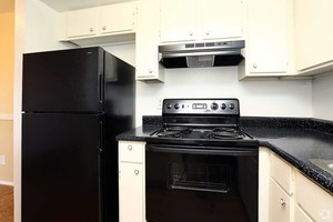 Silver-creek-apartments-austin-tx-kitchen