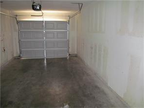 Picture_of_garage