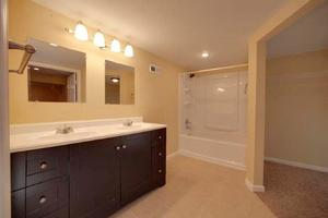 3 Bedrooms, 3 Bathrooms at Cherry Vue and - Kansas City apartments for rent - backpage.com