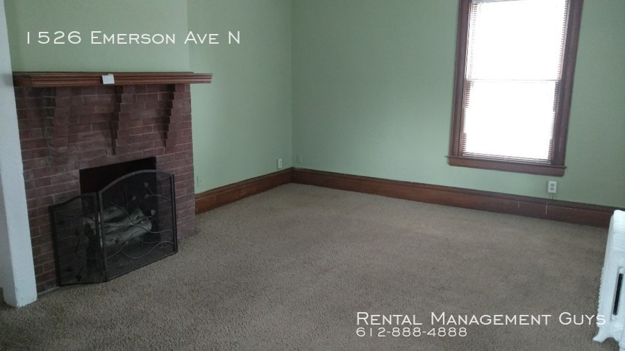 1526 Emerson Ave N Updated 5 Bedroom Home