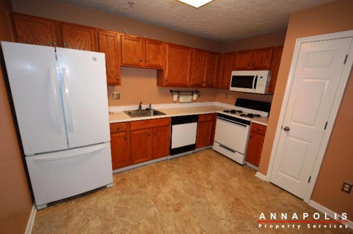 60h-amberstone-court-id868-kitchen-b