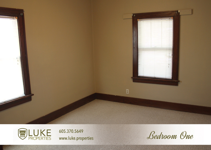 Luke properties 1515 e 7th sioux falls sd 57103 house for rent7