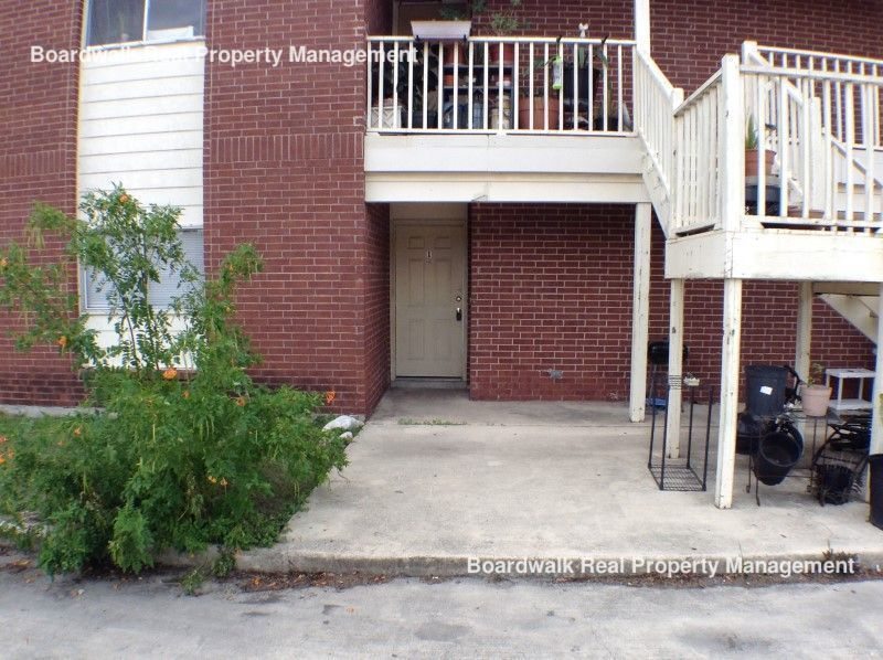 Townhouse for Rent in Universal City