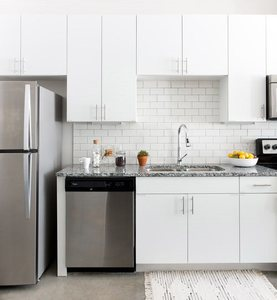 East_austin_apartments_stainlesssteelappliances