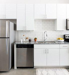 East_austin_apartments_stainlesssteelappliances
