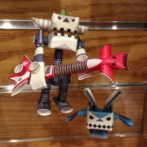 Traverse Traveler Gift Guide 2012 Paper Robots