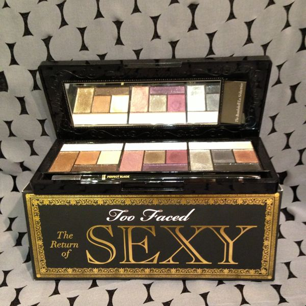 Traverse Traveler Gift Guide 2012 Return of Sexy eyeshadow