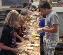 Youth from Minnehaha United Methodist Church in Minneapolis, Minn., prepare food as part of good deeds goal. Photo courtesy of the Minnesota Annual Conference.