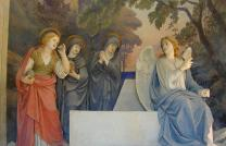 Sacro Monte di Crea. The finding of the empty tomb of Christ, statues by Antonio Brilla, 1889. (Public domain). Photo by Stefano Bistolfi, courtesy of Wikimedia Commons.