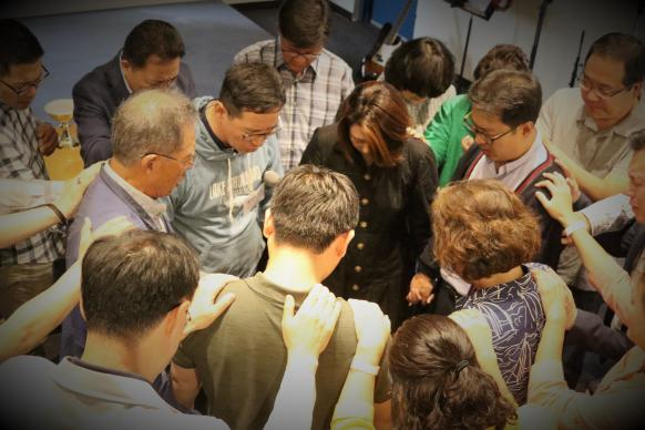 The Alternative Plan Task Force, the Central Committee and the executive committee of the Korean Association of the United Methodist Church pray together at a joint meeting held in August 2-3, 2018.