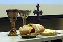 Churches are considering a communion service on election night, as Jesus welcomes all to the table regardless of political affiliation. Photo by Diane Degnan, United Methodist Communications.