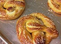 Pretzels are shaped like two arms crossed in prayer. Try this fun recipe with your children. Public domain photo.