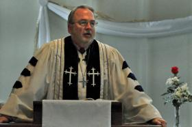 Retired United Methodist pastor Larry Buxton shares tips on ways to more effectively hear a sermon.