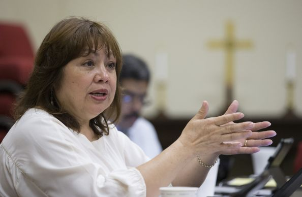 Bishop Minerva Carcaño helps conduct a strategy session on United Methodist response to the recent influx of immigrants from Central America at First United Methodist Church in McAllen, Texas. Photo by Mike DuBose, UMNS.