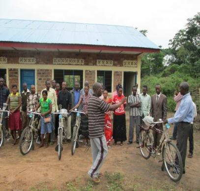 Community workers in Liberia receive bicycles that it will make it easier for them to reach people living outside the city and in villages.