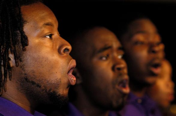 "Members of the Paine College Gospel Choir sing as part of an April 30 service of ""celebrating those who remained and led the way"" during the 2004 United Methodist General Conference in Pittsburgh. A UMNS photo by Paul Jeffrey."