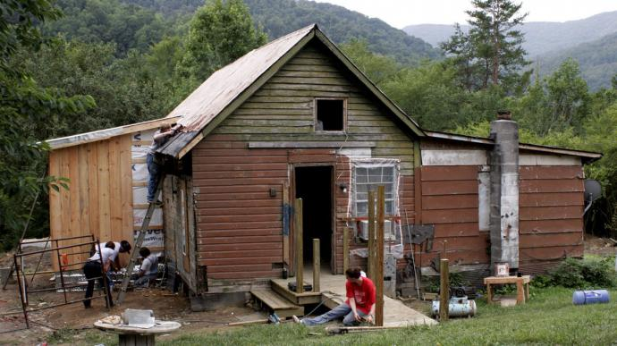The United Methodist Church has called for support and ministry with people in Appalachia since the 1972 General Conference. Students work on fixing up a house in Appalachia in this UMNS file photo by Ronny Perry.