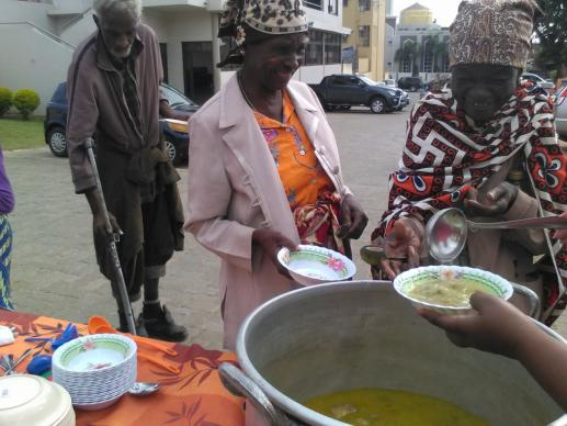 United Methodists in Maputo, Mozambique, serve soup to those in need each week.