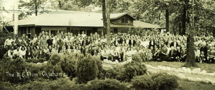 The historic popularity of Mount Sequoyah is clear from this undated photograph showing Oklahoman Methodists gathered there. Ownership of the Fayetteville, Ark., retreat center is moving from The United Methodist Church's South Central Jurisdiction to a local nonprofit. Photo courtesy Mount Sequoyah Retreat and Conference Center