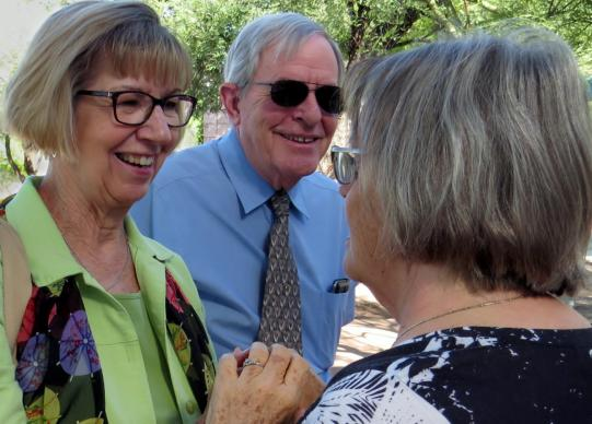 Pam Simon and her husband, Bruce, arrive for worship at St. Francis in the Foothills United Methodist Church in Tucson, Arizona, on Sept. 25. Simon enjoyed great support from the church after she was wounded in the Jan. 8, 2011 mass shooting near Tucson. Photo by Sam Hodges, UMNS.